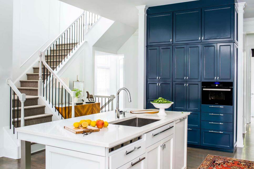 Lacquered-Kitchen-Cabinets